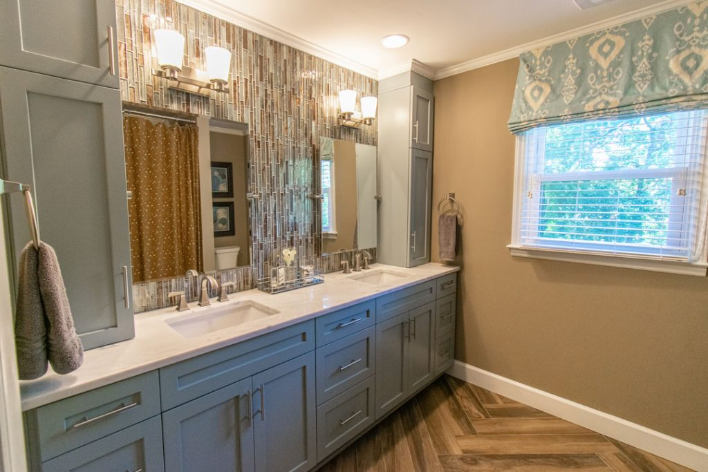 New home staging 2nd bathroom